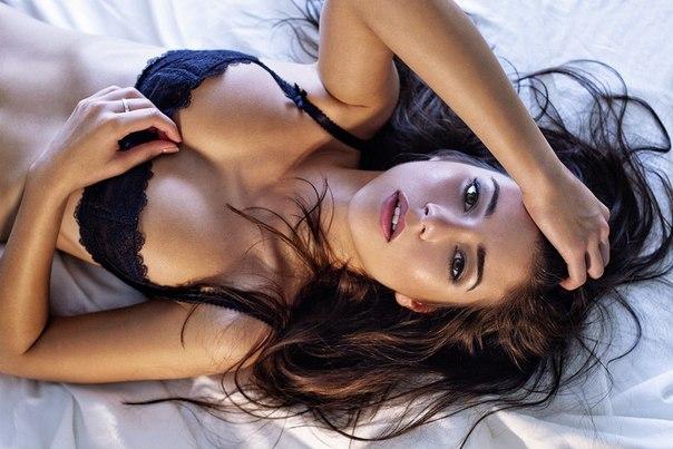 Sexe video Arabe avec son foulard suce