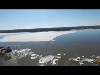 На Оби продолжается вскрытие льда