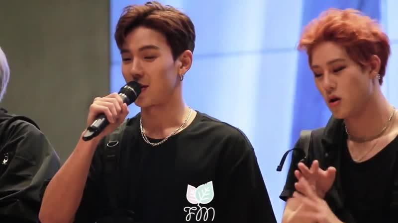 [Fancam][10.11.2018] fansign in Yeonsan