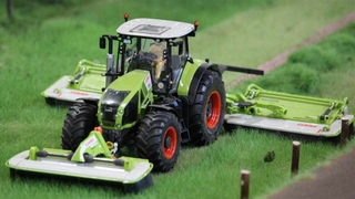 RC tractors on a marvelous farm layout in 1/32 in Action!