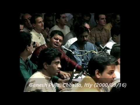 Ganapti Aayo re Bhajan in Presence of Shree Mataji in Shree Ganesha Puja
