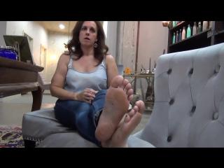 47 yo mature woman candid cute feet
