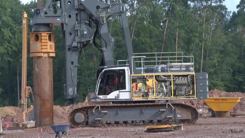Liebherr LB 44 rotary drilling rig
