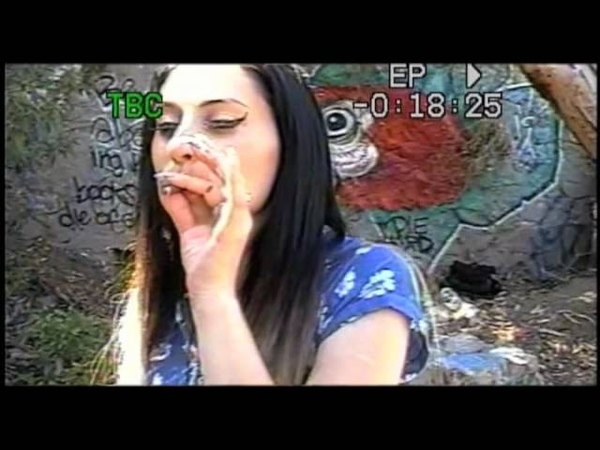 Kreayshawn - Summertime feat. V-Nasty - Pseudo VHS Video