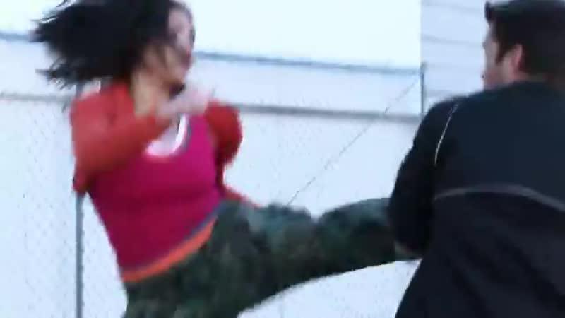 Тхэквондистка против боксёра 😎