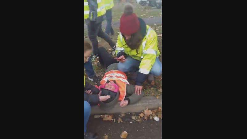 Un gendarme agresse une femme et prend la fuite en voiture