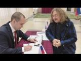 Как Игорь Николаев голосовал в Барановичах: «Чувствую себя прямо как в родной стране»