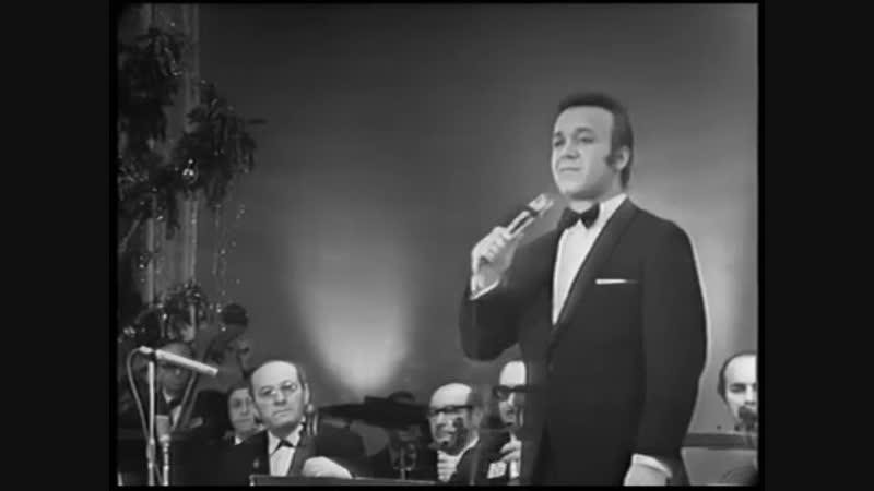 Иосиф Кобзон исполняет песню на стихотворение Роберта Рождественского Баллада о красках