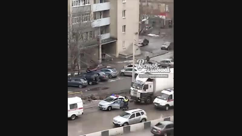 На Штахановского легковая врезалась в фуру 19.1.2019 Ростов-на-Дону Главный