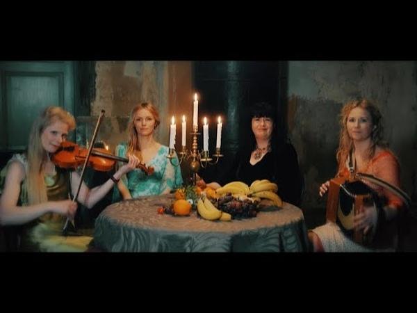 Naised Köögis - Igavesti heitlike tunnete tango
