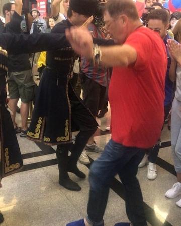 """Yana Churikova on Instagram: """"ВНИМАНИЕ , МИРОВОЙ ЭКСКЛЮЗИВ! Первый раз вижу, как Григорий Викторович танцует! Оказывается, не хуже , чем поёт! Вал..."""