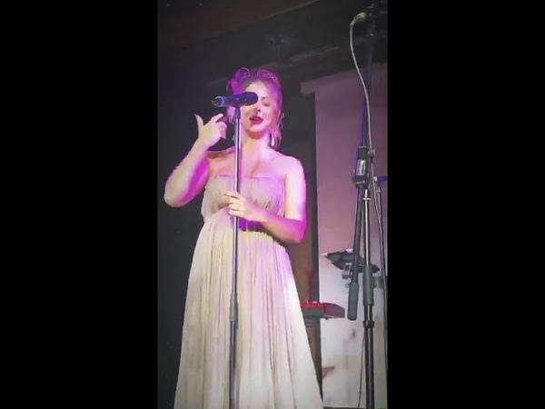 Нюша поёт песню Уитни Хьюстон InstaStories свадьба Ирины Медведевой 20 07 18