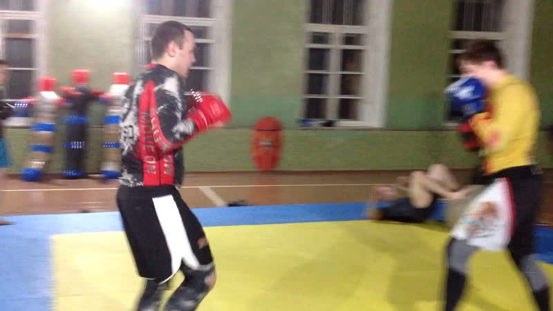 Тренировка по СМЕШАННОМУ БОЕВОМУ ЕДИНОБОРСТВУ В КИРОВЕ