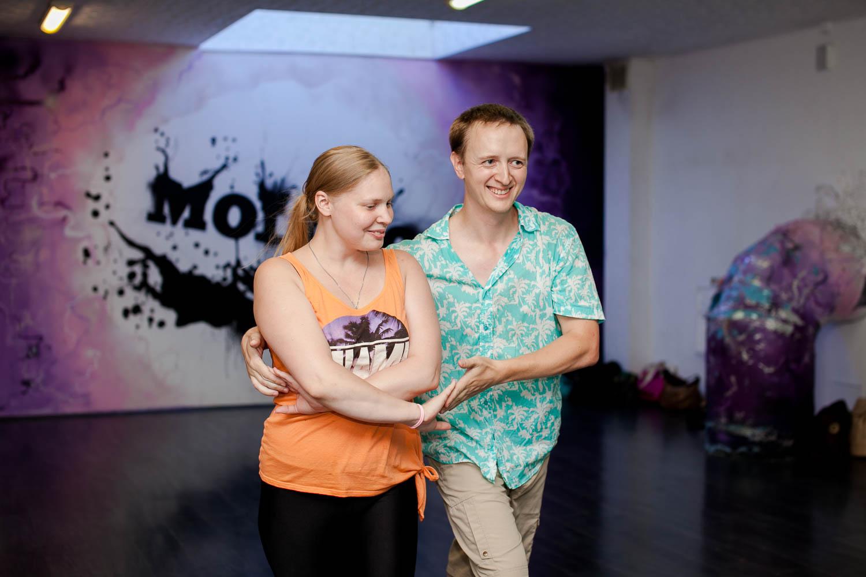 Хастл - современный парный танец