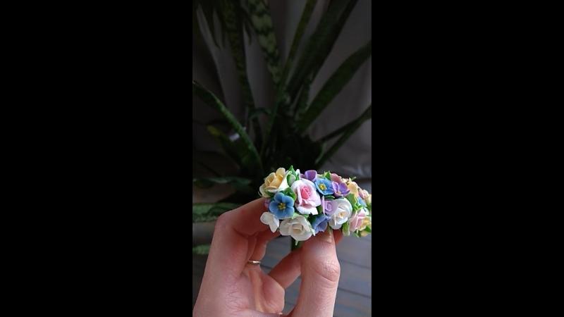 Цветочная заколка из полимерной глины 💮
