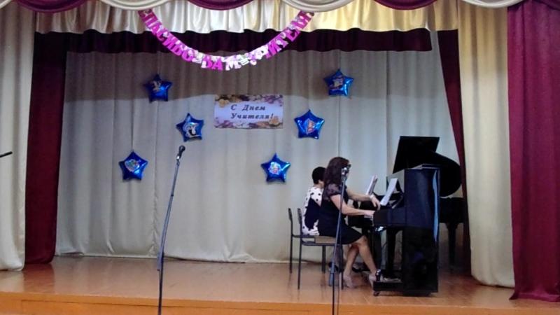 Преподаватели Ольга Вячеславовна Жуй и Эмине Энверовна Асанова