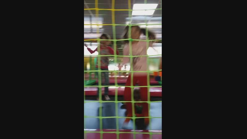 20.10.2018г.ОткрытиеМадагаскар,детский развлек.комплекс.Ксюня,Варвара,Тёма🤗🤗🤗