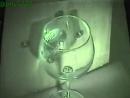 Высокоскоростная съемка резонанса стеклянного бокала под воздействием звуковых волн.