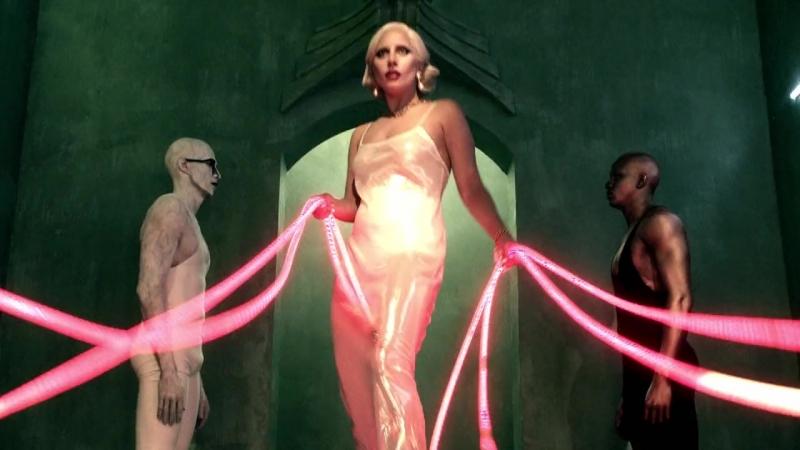 Режиссерская версия промо-видео для «Американской Истории Ужасов: Отель» — «Light - Dark - Below»