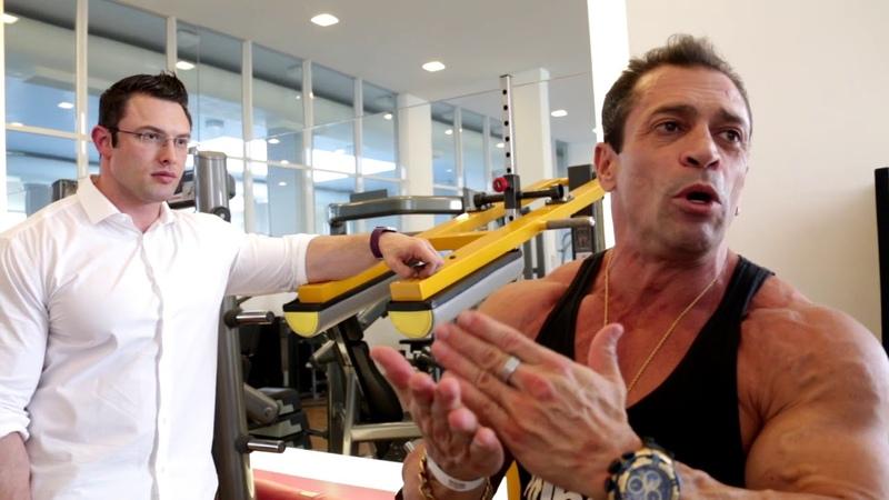 Fernando Sardinha - Entregando o Presente para o Drº Paulo Muzy