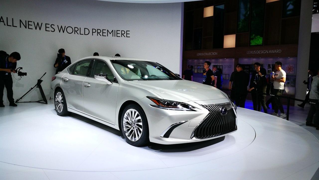 Новое поколение Lexus ES представлено официально