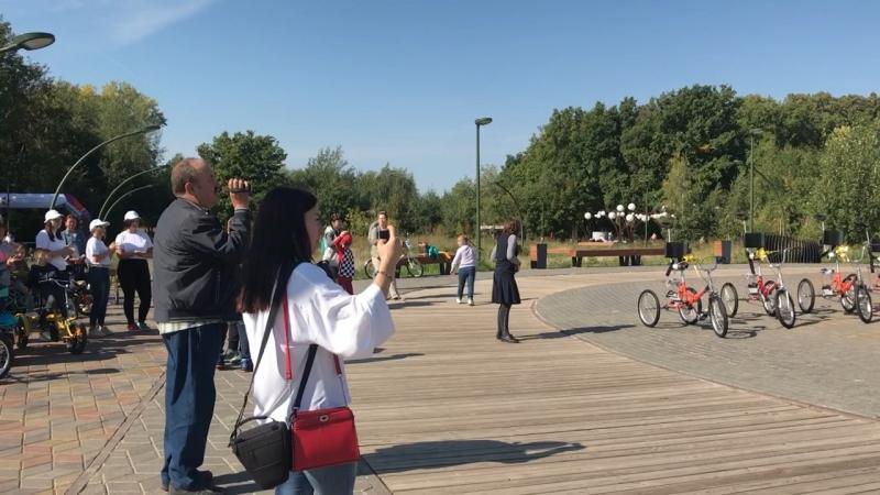 Выступление с велозаезда деток из интерната