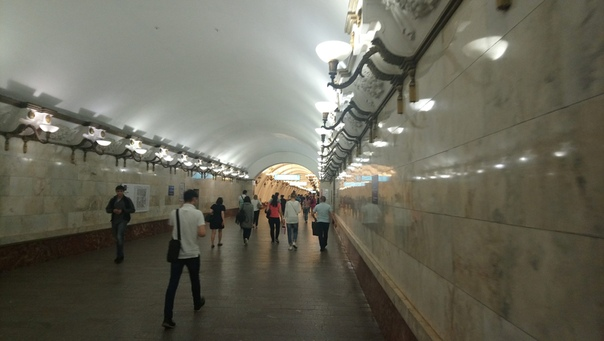 Арбатская в длинном коридоре.  12 июля 2018
