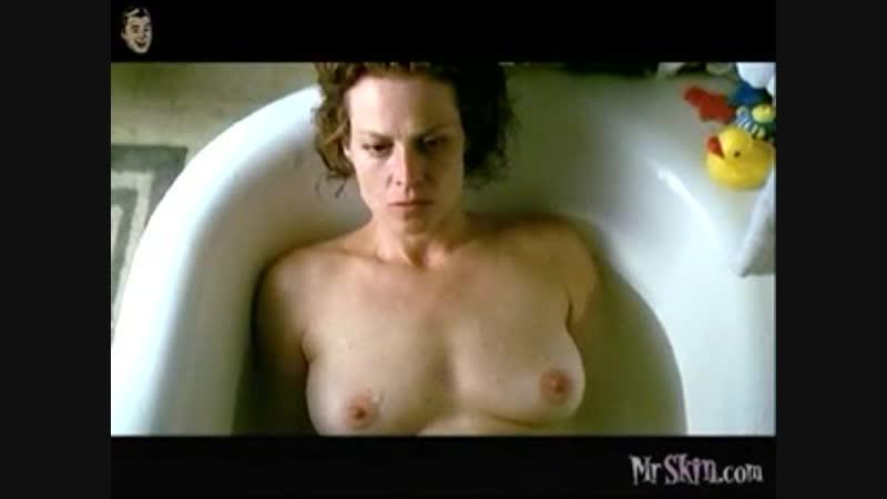 Сигурни Уивер голая - Sigourney Weaver Nude - В поисках галактики / Galaxy Quest (1999)