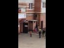 В Йошкар-Оле мужчина снял детей с трубы 2 этажа