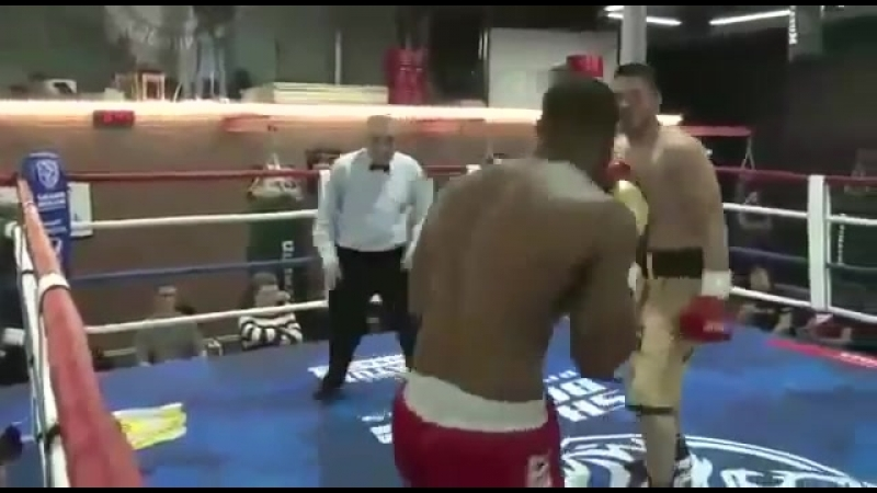 Профи бокс. Уалихан Адай Бисенкулов против Кристиан Вуапи. Супер нокаут! Подписываемся на канал!