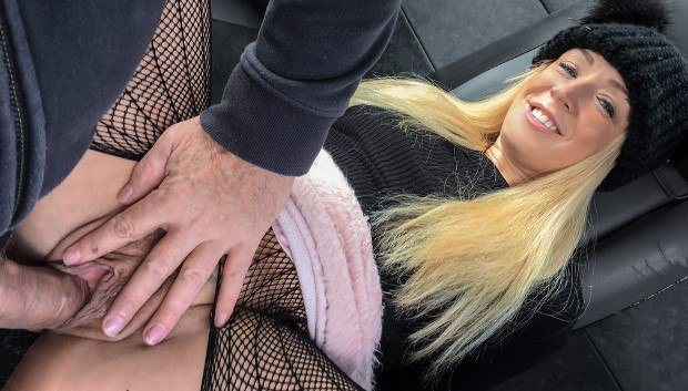 Uncategorized - Hot blonde loves to give rimjobs