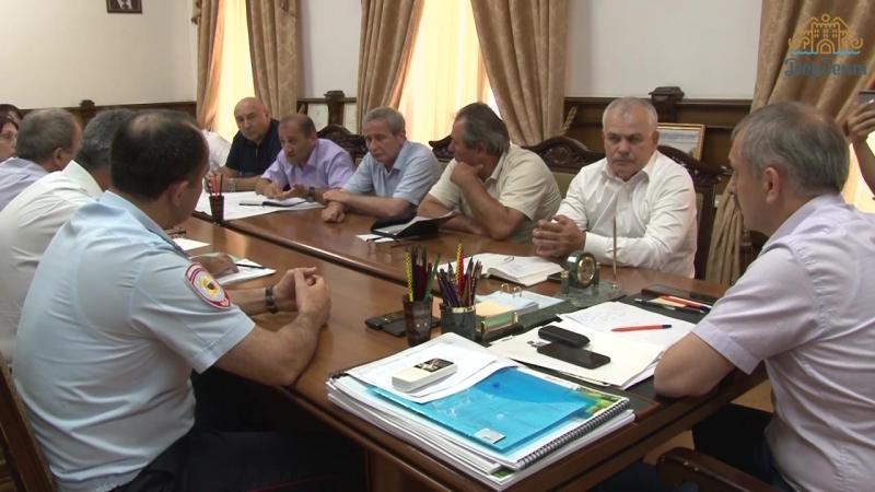 Глава г Дербент провел совещание по вопросу вывоза мусора
