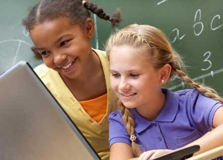 Дети могут проявлять избирательное внимание, играя в электронные игры.