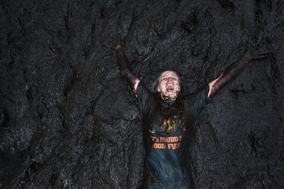"""Ежегодный забег """"Грязное безумие"""" (Mud Madness) в Портадауне"""