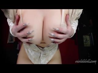 Big Tits & Long Nails