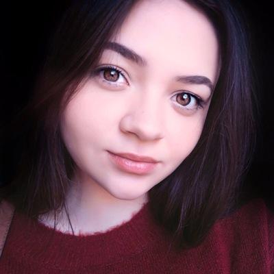 Анна Ломанцова