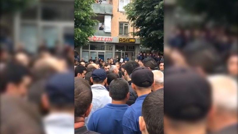 Протестующие в Степанакерте требуют отставки руководства СНБ и Полиции