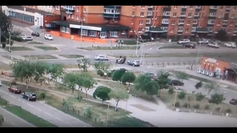 Серьезное ДТП Тверь: машина опрокинулась на крышу