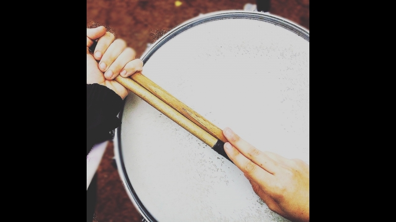 Запишите в барабанщики меня