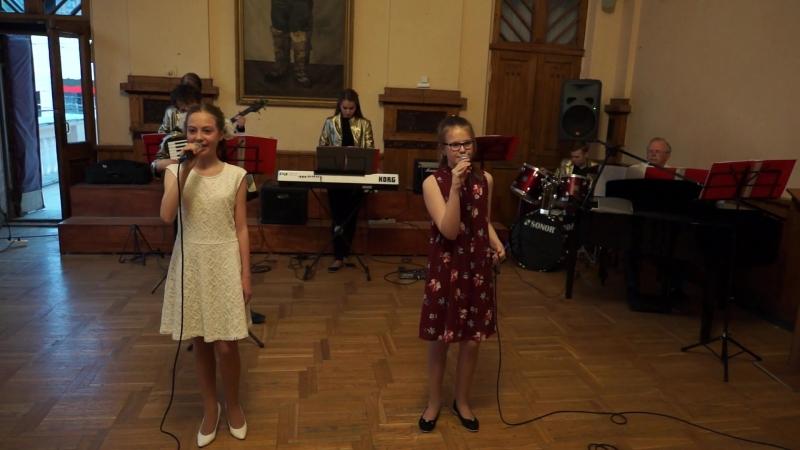 Музыка и слова Александра Ермолова - «Апрель»