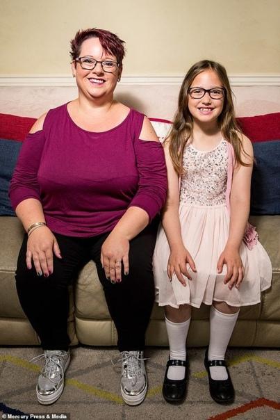 Это просто сумашествие: Многодетная мать кормила младшую дочь грудью до 9 лет Многодетная Шэрон Спинк (Sharon Spink) из английского графства Норт-Йоркшир прославилась на весь мир после того, как