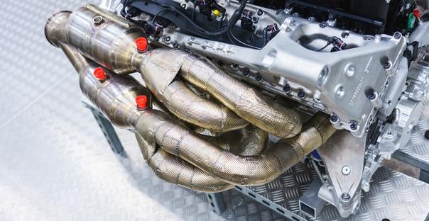 Двигатель гиперкара Aston Martin Valkyrie: 11 тысяч об/мин! Фото: компания Aston MartinРазработка и доводка экстремального купе Aston Martin Valkyrie затягивается. Показывая два года назад