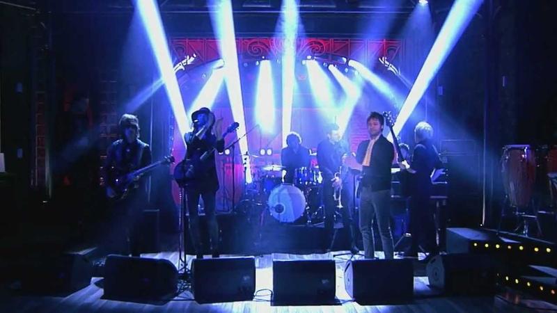 Вечерний Ургант Музыкальная группа Kasabian Days Are Forgotten
