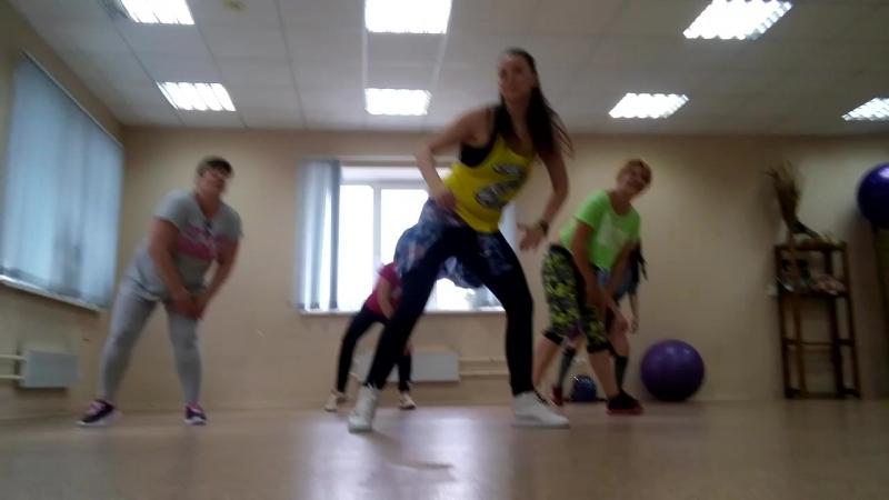 ZUMBA в DanceКухне Тольятти. тренер Оксана Солина огонь🔥🔥