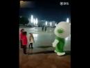Дети, смотрите как надо танцевать!!