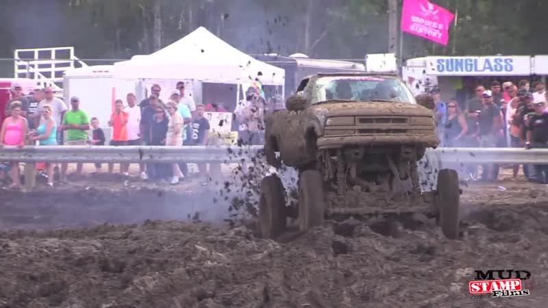 Michigan Mud Jam 2014 Mud Bogging