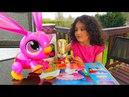 АЛИС и ПАПА Фиксики) Распаковка игрушки Интерактивный Зайчик бегает за морковкой и выполняет команды