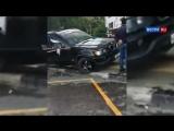 BMW сбил трех пешеходов на тротуаре в Новой Москве