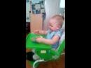 сынок кушает)