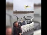 В Хакасии сегодня разбился небольшой самолёт. Погибли пилот и пассажир. Последний полет случайно сняли очевидцы, над головами ко
